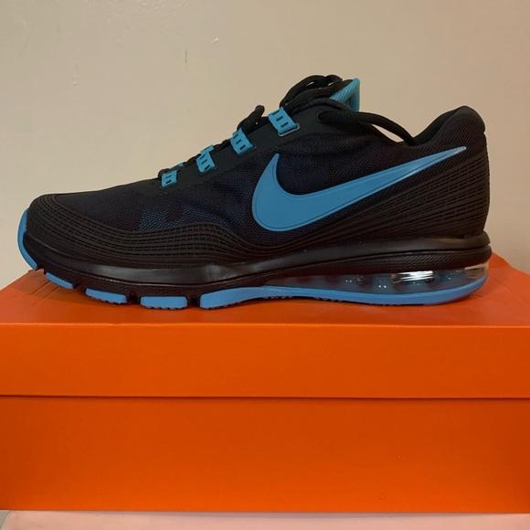 Nike Air Max TR 365 NWT